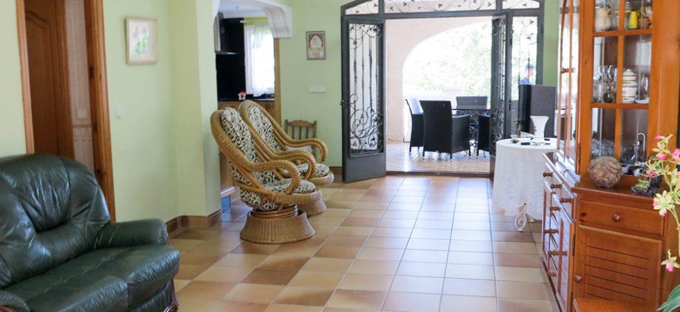 Ground Floor Lounge - 30m²