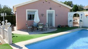 Beautiful villa for sale Montroy Valencia – Ref: 018752