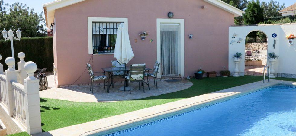 Beautiful villa for sale Montroy Valencia – Ref: 018752