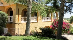 Large villa for sale Monserrat with sea views – Ref: 018756