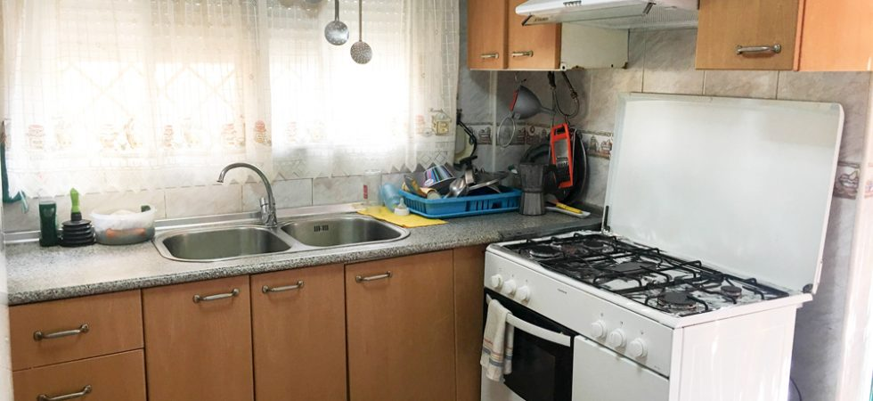 Kitchen - 9m² With cupboard - 2m²