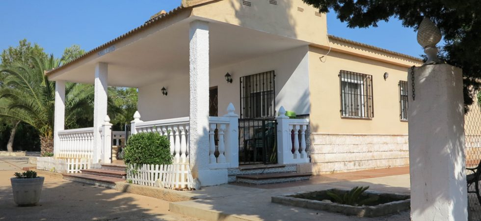 Lovely 4 bedroom villa for sale Montserrat Valencia – 018758