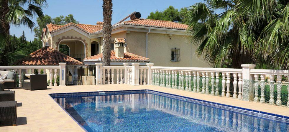 Desirable villa for sale Monserrat Valencia – 018761