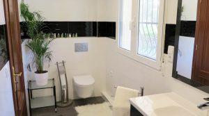 First floor Bathroom 3 - 7m²