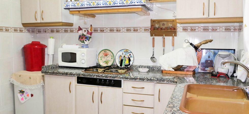 Main Villa Kitchen - 8m²