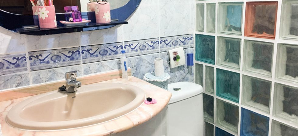 Main Villa Bathroom - 4m²