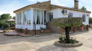 Immaculate villa with manicured gardens for sale Real, Valencia – 018769