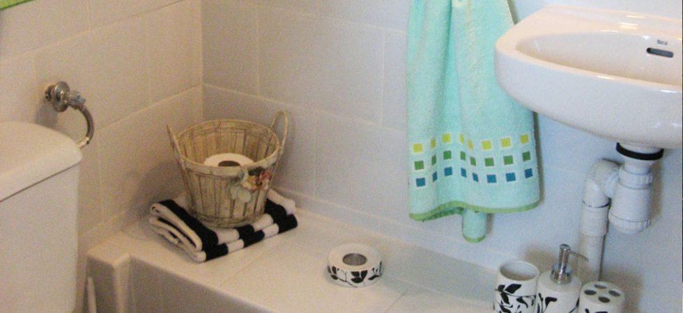 Apartment Bathroom - 2m²