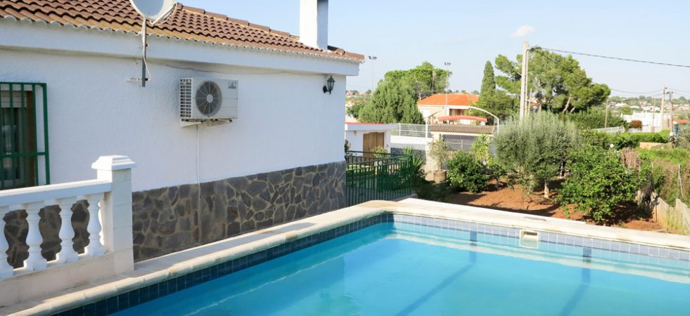 Traditional homes for sale Monserrat Valencia