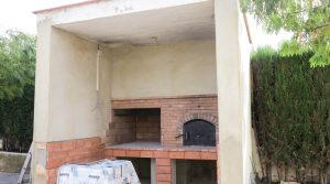 Barbecue and masonry oven