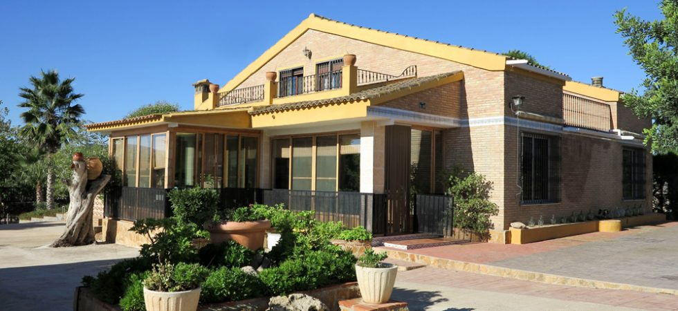 Impressive country villa for sale Montroy Valencia – 018780