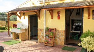Outside bathroom - 4m² • Paella house - 8m²