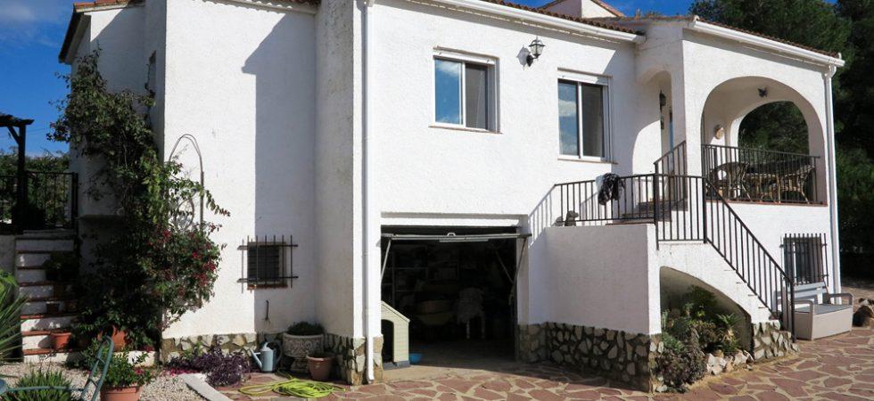 Well priced villa on urbanisation in Turis – 018786