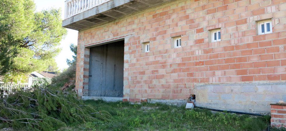 Ground floor Garage - 90m²