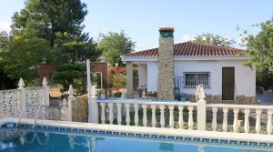 Excellent value villa for sale in Monserrat Valencia – 019788