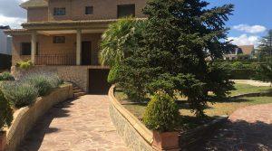 Desirable large villa for sale with sea views in Monserrat Valencia – 019791