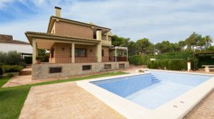 Desirable large villa for sale near Monserrat Valencia – 019791