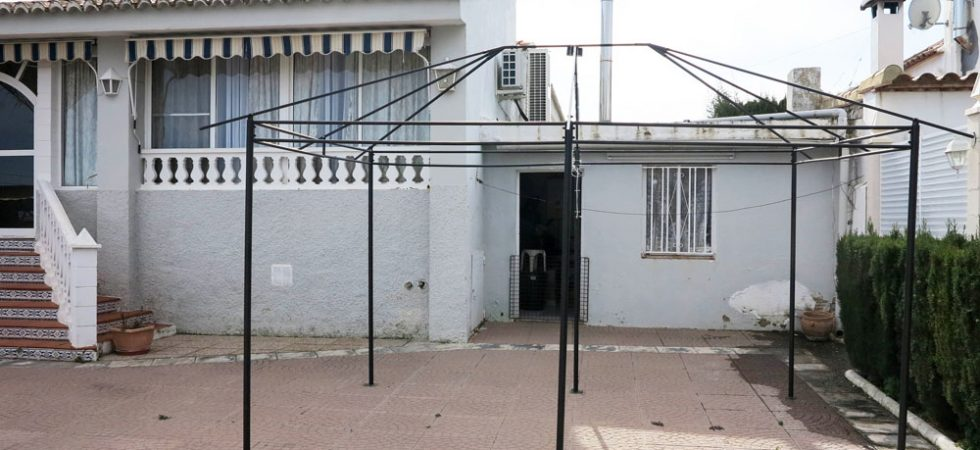 Outside kitchen - 16m²