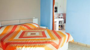 Bedroom 2 - 14m²With access onto terrace