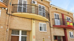 Immaculate three-storey house for sale in Xàtiva Valencia – 019804