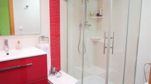 Lower ground floor Bathroom - 4m²