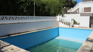 9m x 5m swimming poolPump house - 5m²
