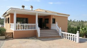 Competitively priced villa for sale in Alberic, Valencia – 019807