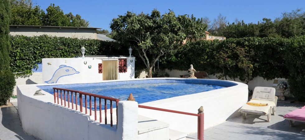 5m x 5m swimming pool