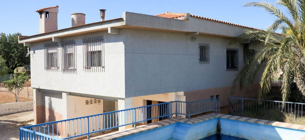 Cheap property for sale in Torrent, Valencia – 019812