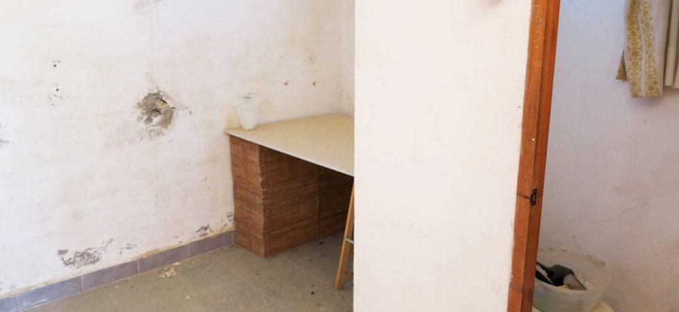Underbuild Room 2 - 8m² • W.C. - 2m²