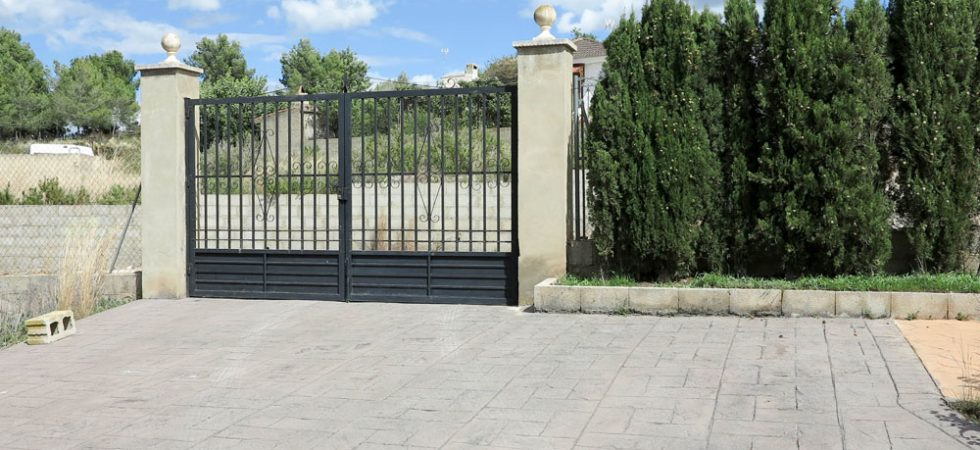 Concrete impression driveway