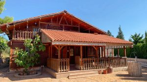 Large wooden house for sale in Monserrat Valencia – 019825