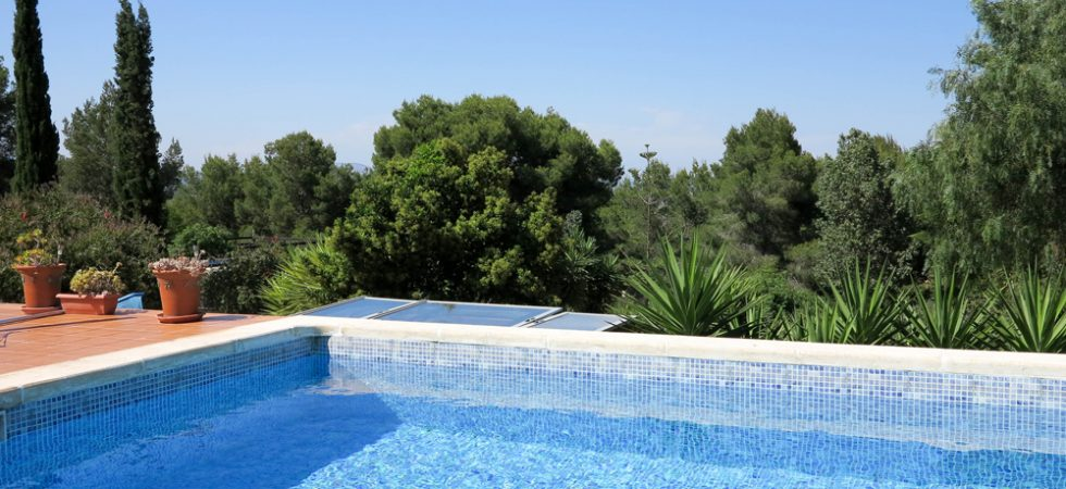 10m x 5m swimming pool