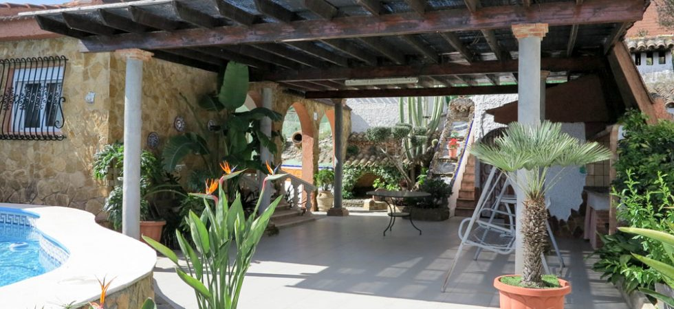 Covered terrace - 56m²With outside kitchen