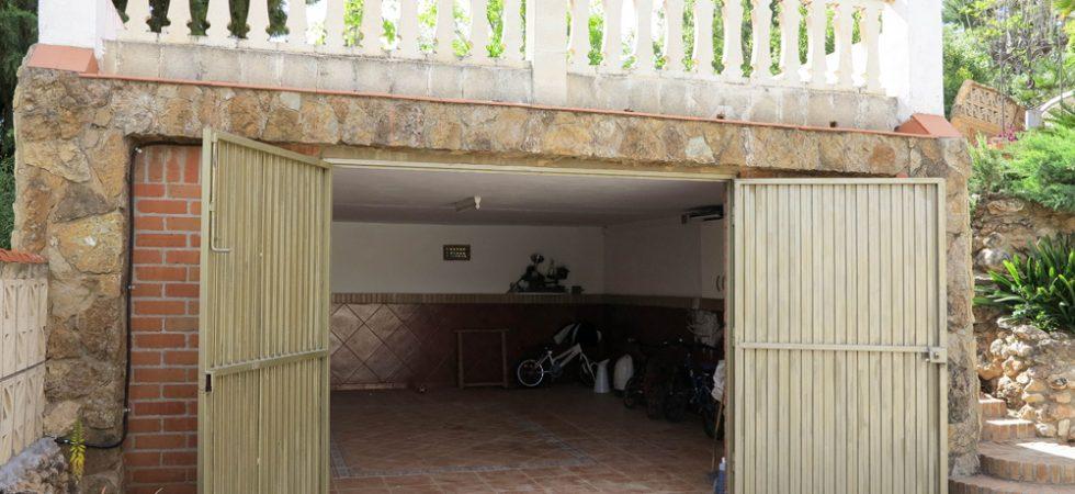 Garage - 31m²Underbuild - 21m² (not shown)