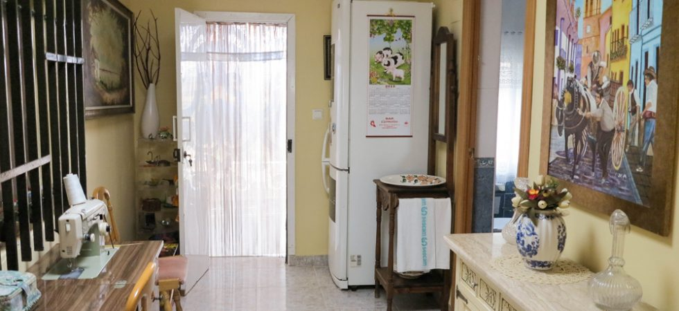 Entrance hallway - 8m²