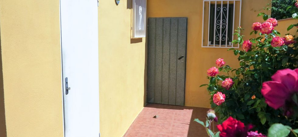 Outside bathroom - 5m²Storeroom - 5m²