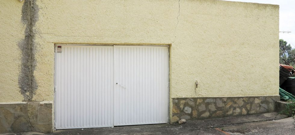 Garage - 26m²Storeroom - 12m² (not shown)