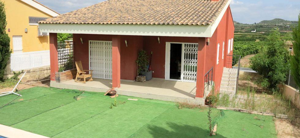 Urban villa for sale in Montroy Valencia – 019842