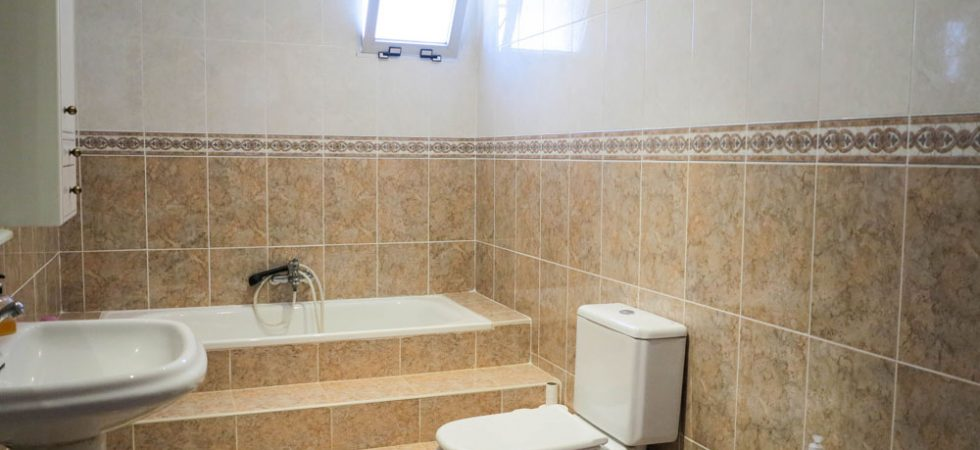 Bathroom - 6m²