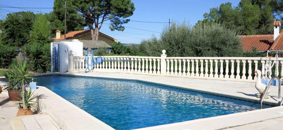 12m x 4m swimming pool
