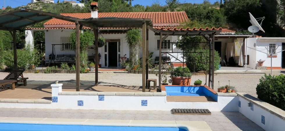 Charming country property with views for sale in Macastre, Valencia – 019852