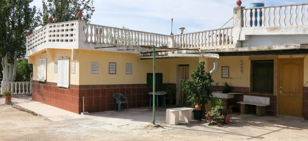 Cheap property located close to town in Monserrat Valencia – 019855
