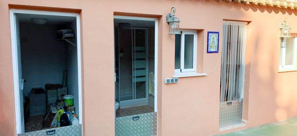 Storeroom - 8m²Outside bathroom • Outside kitchen