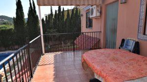 Rear kitchen terrace - 20m²
