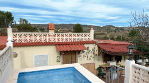 Charming chalet walking distance from Montroy, Valencia – 020864