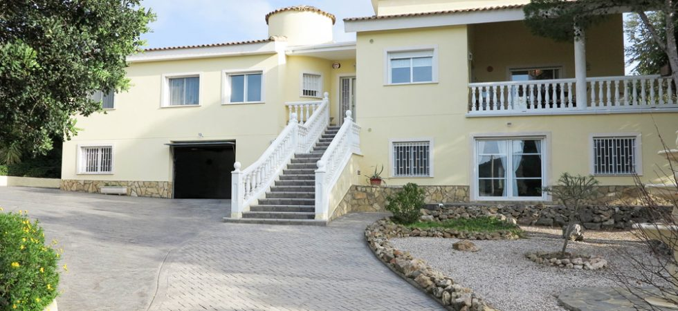 Luxury villa situated on San Cristobal urbanisation, Alberic, Valencia – 020868