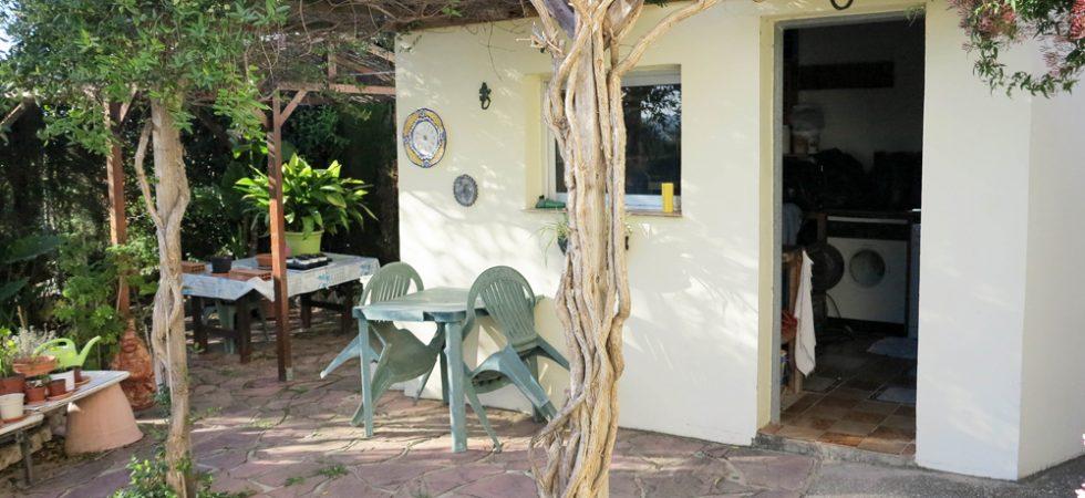 Utility & Outside kitchen
