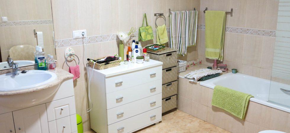 Bedroom 1 En-suite - 9m²