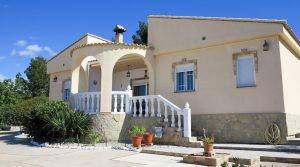 Desirable villa for rental in Montroy, Valencia – R019816